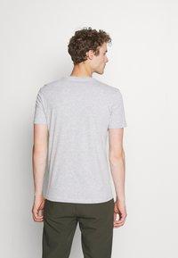 Pier One - 5 PACK - Basic T-shirt - black/dark blue - 2