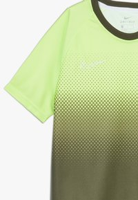 Nike Performance - DRY ACADEMY  - Sports shirt - ghost green/white - 3