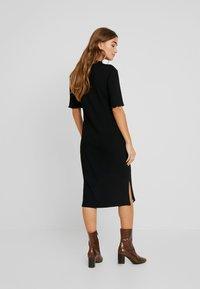 Zign Petite - Vestido de punto - black - 3