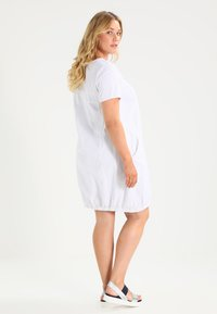Zizzi - MMARRAKESH DRESS - Vestido informal - white - 2