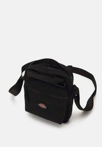 Dickies - MOREAUVILLE - Across body bag - black - 0