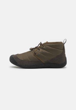 HOWSER II CHUKKA - Hiking shoes - dark olive/black