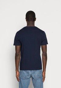 GAP - CITY ARCH TEE - Print T-shirt - new classic navy - 2
