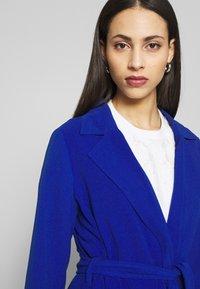 ONLY Tall - ONLUNNA DRAPY COAT TALL  - Zimní kabát - mazarine blue - 3