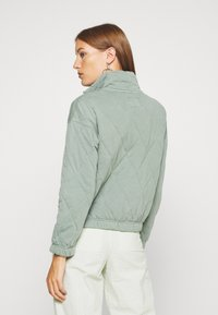 Abercrombie & Fitch - QUILTED ZIP - Light jacket - green - 2