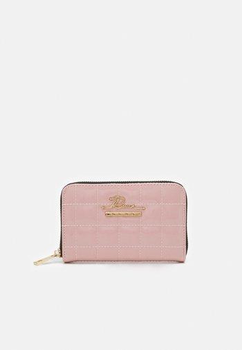 Wallet - pink light