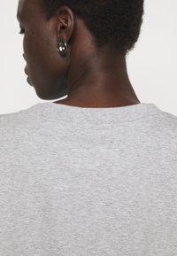 MM6 Maison Margiela - Print T-shirt - grey - 4