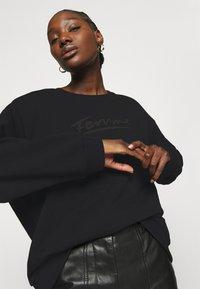 Selected Femme - SLFARTISTA CAMILLE  - Sweatshirt - black - 3