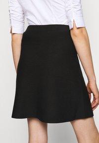 Steffen Schraut - FAVORITE SKIRT SPECIAL - A-line skirt - black - 3
