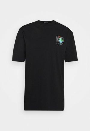 DOWNTOWN GRAPHIC TEE - Camiseta estampada - black