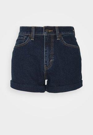 MOM LINE  - Szorty jeansowe - make a splash