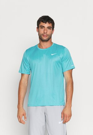 MILER EMBOSS - T-shirt con stampa - chlorine blue/silver