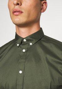 Minimum - WALTHER  - Košile - climbing ivy - 5