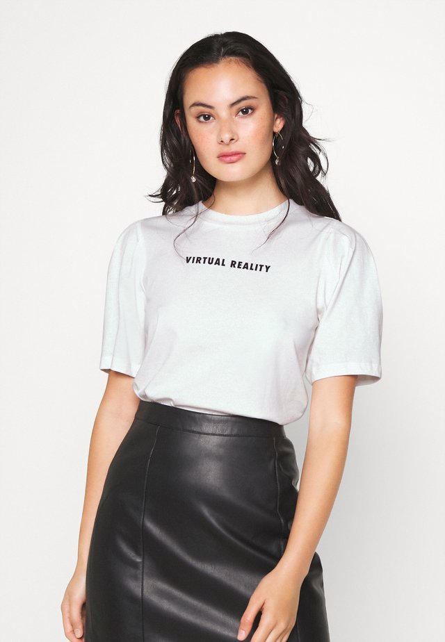 NORA - T-shirts med print - off-white