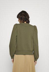 Second Female - CARMELLA  - Sweatshirt - olive night - 2