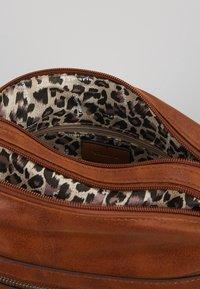 Tamaris - ULLA - Across body bag - brown - 5