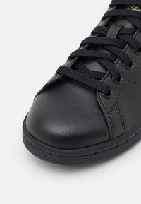 adidas Originals - STAN SMITH UNISEX - Zapatillas - core black/blue oxide/feather grey - 5