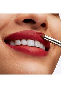MAC - BOTANIC PANIC LIPSTICK - Lipstick - tulip service - 3