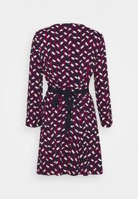 MAX&Co. - NARCISO - Vapaa-ajan mekko - burgundy - 7