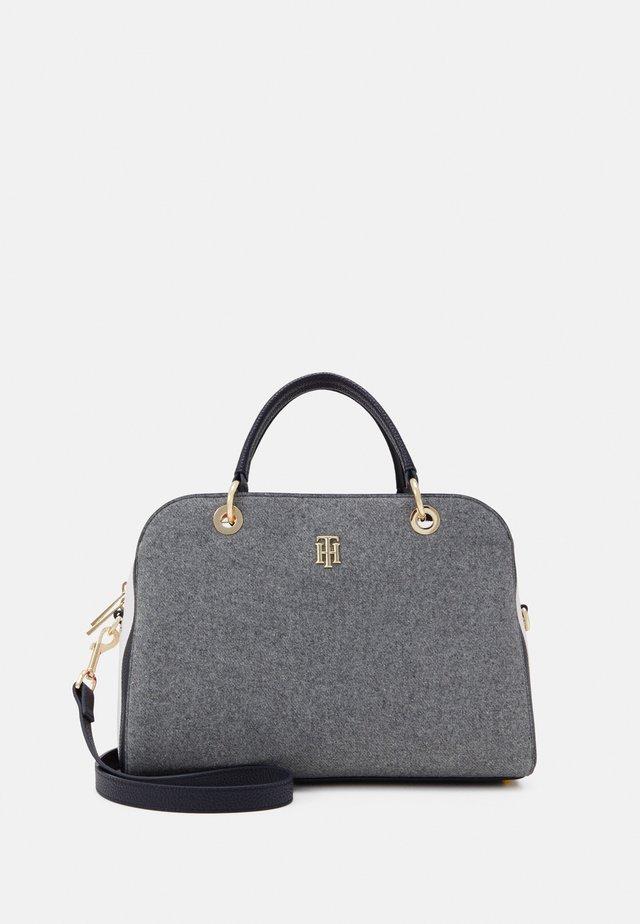 ESSENCE DUFFLE MELTON - Handbag - grey