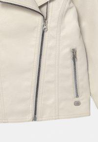 Cars Jeans - CRYO  - Veste en similicuir - white - 2
