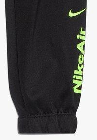Nike Sportswear - AIR JOGGER SET BABY - Træningssæt - black - 3
