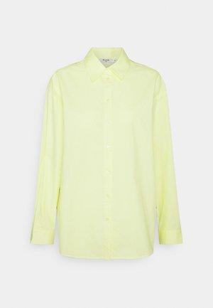 OVERSIZED SHIRT - Button-down blouse - green