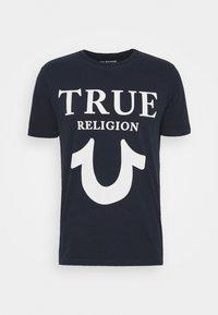 True Religion - CREW NECK BIG HORSESHOE - Triko spotiskem - navy - 0