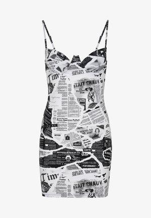 EXREME CUP DETAIL MINI DRESS NEWSPAPER PRINT - Koszula nocna - black/white