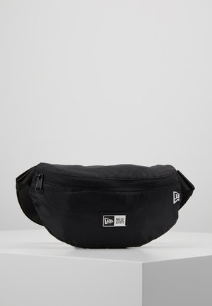 KIDS WAISTPACK LIGHT - Ledvinka - black/optic white