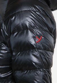 YETI - PEARTH - Down coat - black - 6