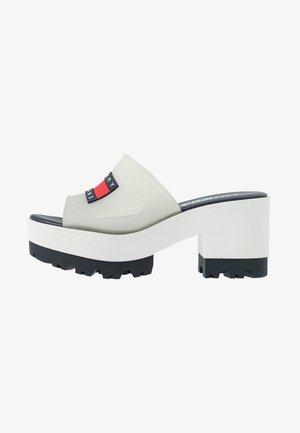 JANE  - Pantolette hoch - white