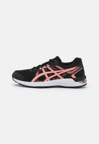 GEL-SILEO 2 - Zapatillas de running neutras - black/guava