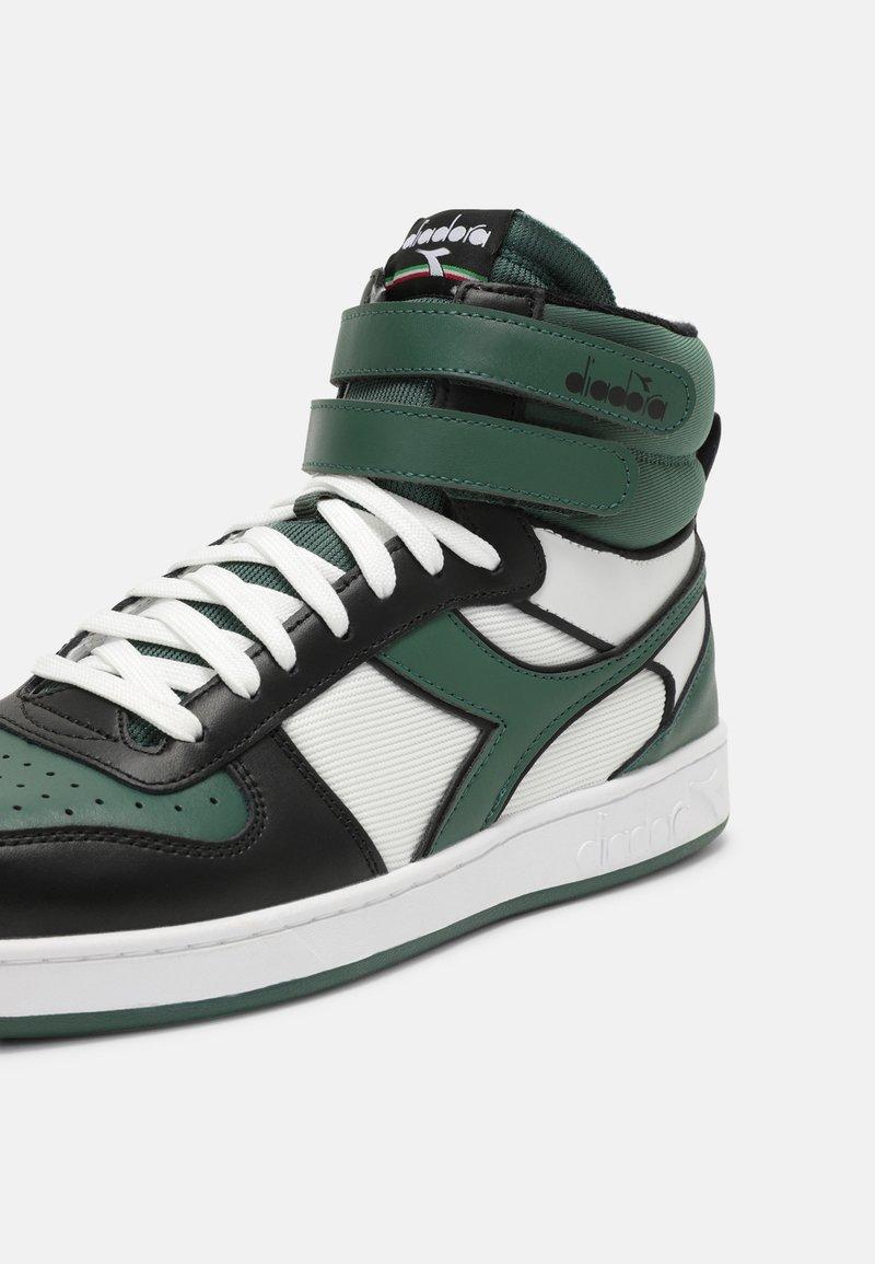 Diadora - MAGIC MID ICONA UNISEX - High-top trainers - white/dark green