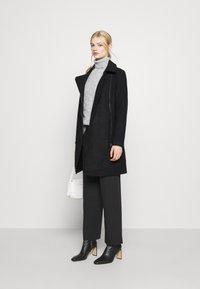 ONLY - ONLOLIVIA LONG BIKER COAT - Zimní kabát - black - 1