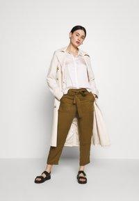 Banana Republic - DILLON SOFT - Button-down blouse - snow day - 1