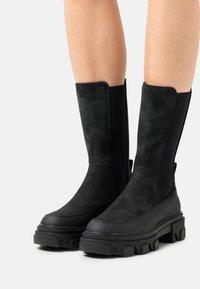 ONLY SHOES - ONLTOLA CHUNKY BOOT  - Platåstøvler - black - 0