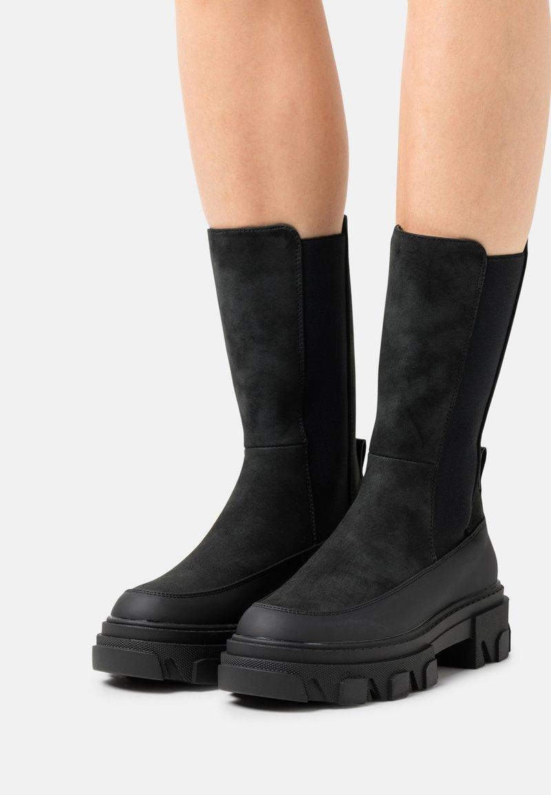 ONLY SHOES - ONLTOLA CHUNKY BOOT  - Platåstøvler - black