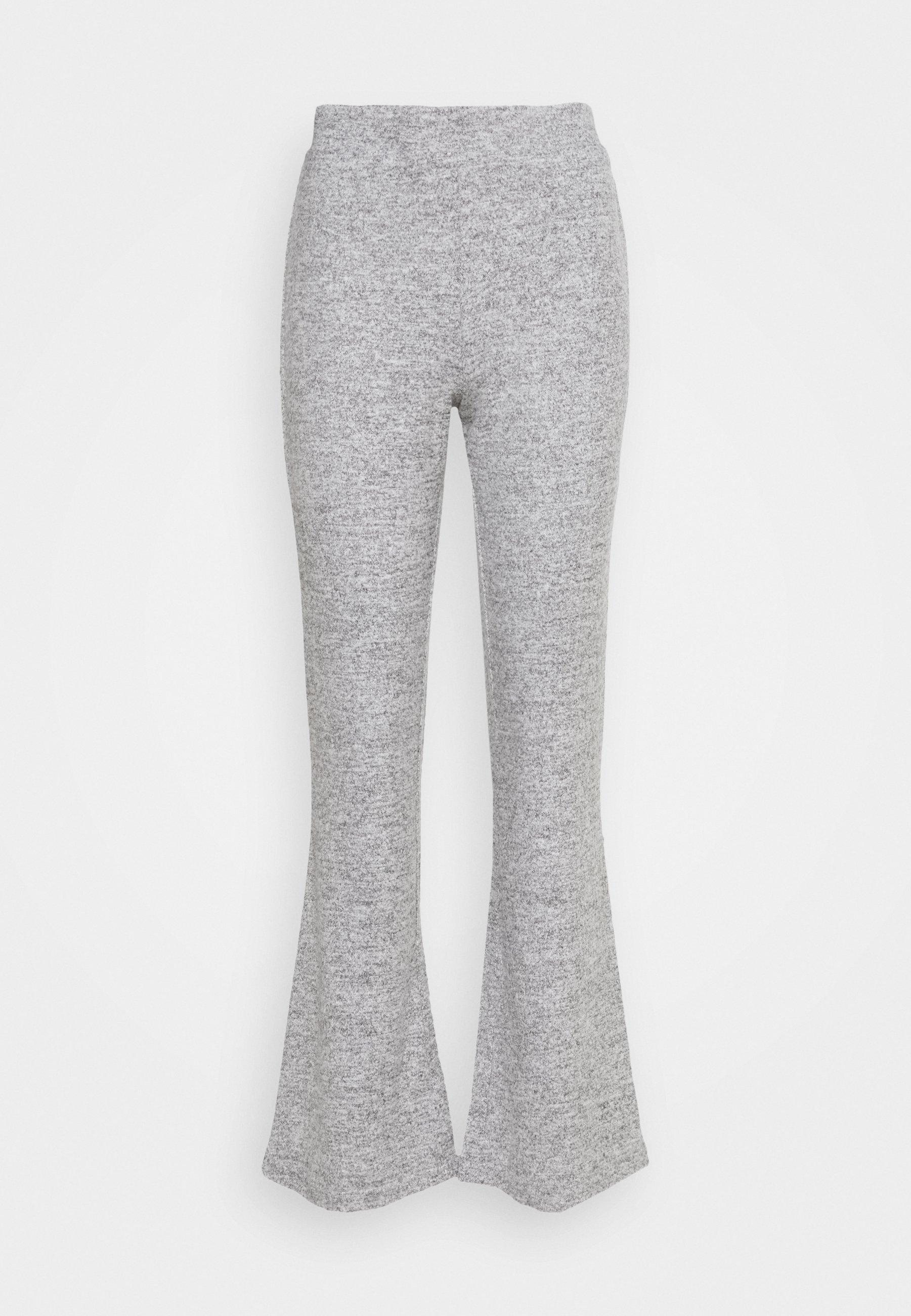 Femme PCPAM FLARED PANT - Pantalon classique