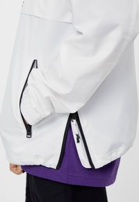 Bershka - 06350552 - Summer jacket - white - 3