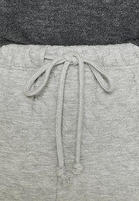 Topshop - QUILTED JOGGER - Tracksuit bottoms - grey - 4
