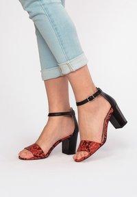 Eva Lopez - Sandals - rojo - 3