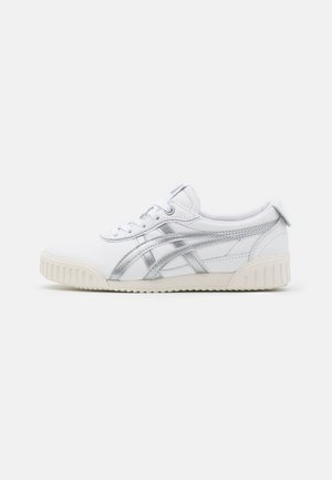 DELEGATION  - Sneaker low - white/blush