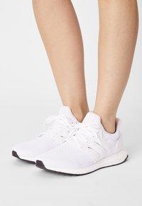 adidas Performance - ULTRABOOST DNA  - Zapatillas - halo ivory/cream white - 0