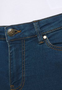 Vero Moda Petite - VMJUDY - Jeans Skinny Fit - medium blue denim - 5