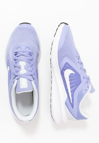 Nike Performance - DOWNSHIFTER - Obuwie do biegania treningowe - light thistle/white/photon dust/black - 0