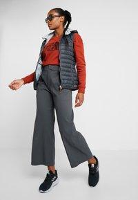 The North Face - DREW PEAK CREW - Sweatshirt - picante red - 1