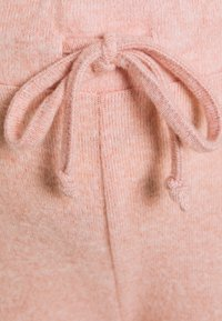 Dorothy Perkins Maternity - SOFT OVER BUMP - Tracksuit bottoms - blush - 2