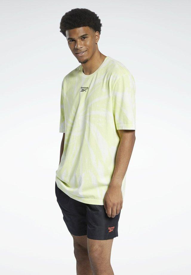 CLASSICS TIE-DYE T-SHIRT - T-shirt med print - yellow