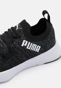 Puma - FLYER RUNNER ENGINEER - Juoksukenkä/neutraalit - black/asphalt/white - 5